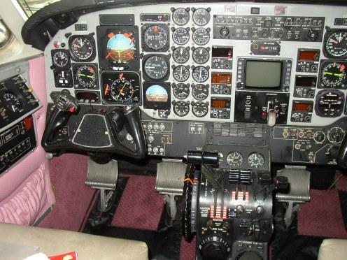 1987 KING AIR C90A Controls