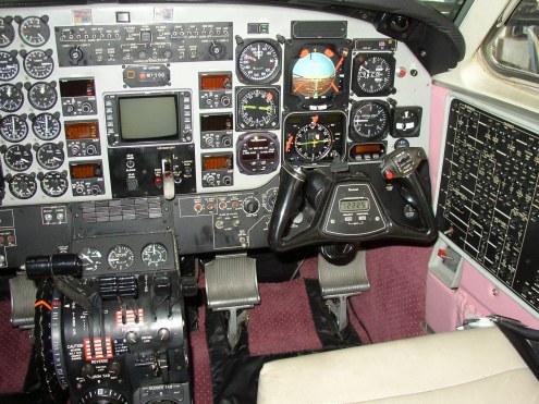 1987 KING AIR C90A Control