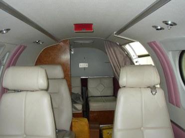 1987 KING AIR C90A Interior